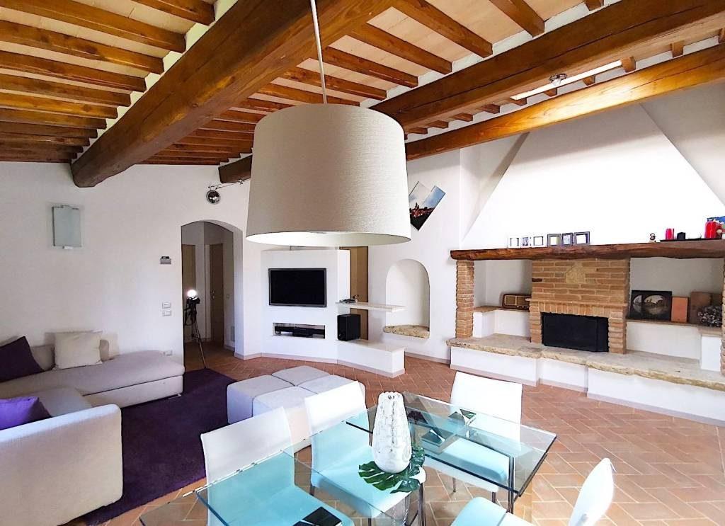 Bellissimo Appartamento Con Piscina Condominiale Marchesini Real Estate